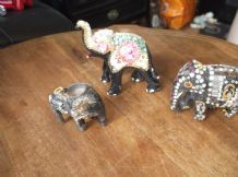 3 X UNUSUAL VINTAGE BLACK MACHE ? ELEPHANTS BEADED SPARKLE MOSAIC ALL DIFFERENT